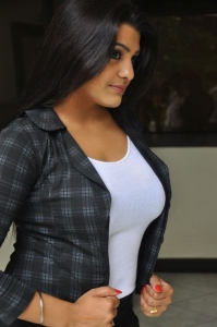 Telugu Actress Tashu Kaushik Stills @ Reporter Press Meet