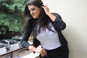 Actress Tashu Kaushik Stills @ Reporter Press Meet