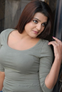 Telugu Actress Tashu Koushik Latest Hot Pics