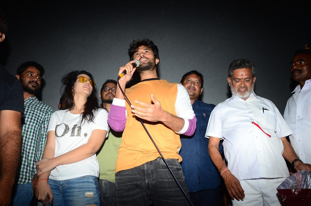 Priyanka Jawalkar, Vijay Devarakonda @ Taxiwala Movie Team at Gokul Theatre Photos