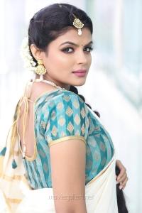 Actress Tejashree Photoshoot Images