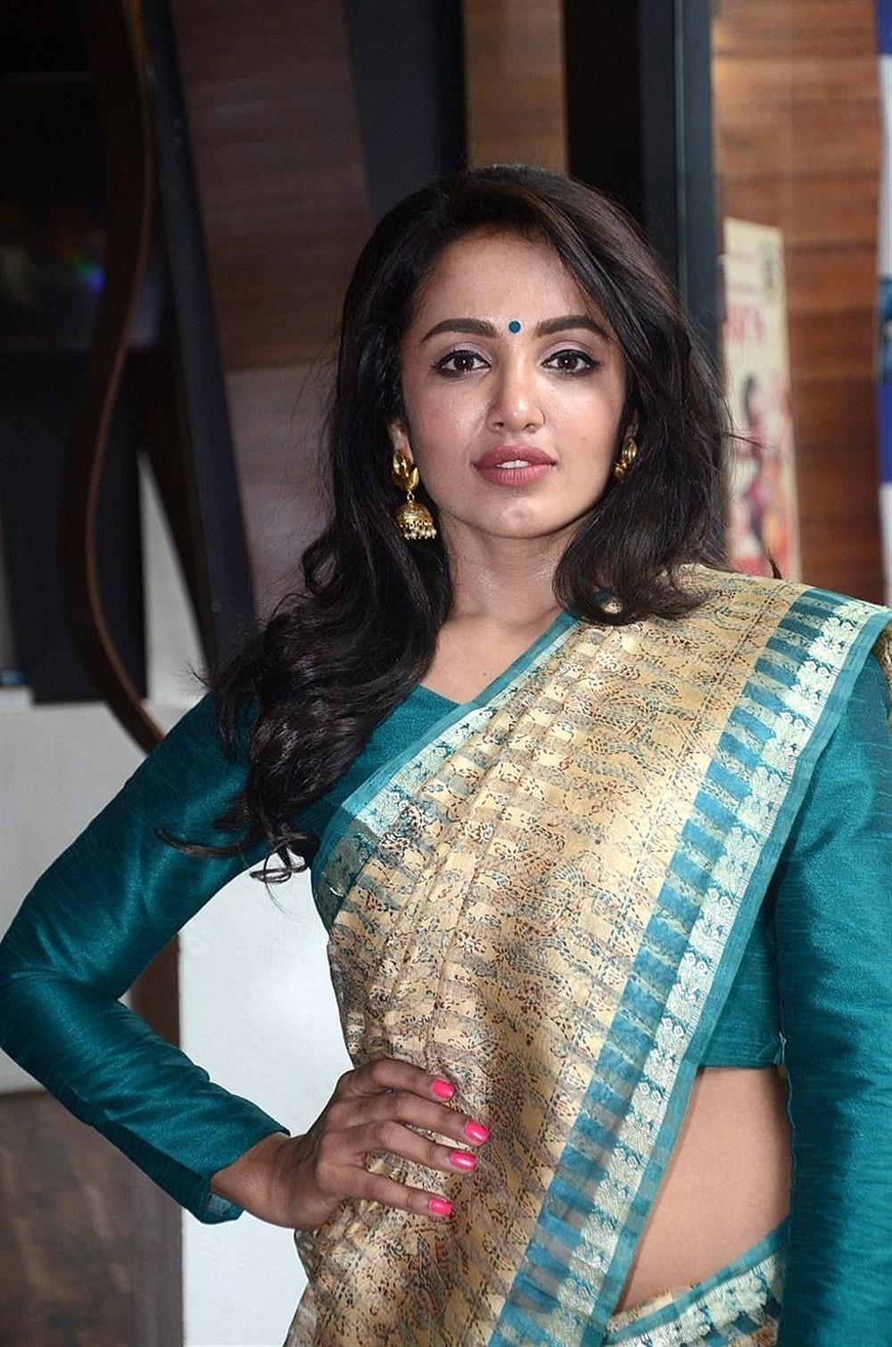 Telugu Actress Tejaswi Madivada Photoshoot Pics