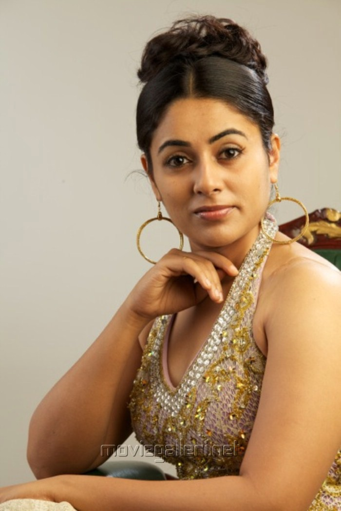 http://moviegalleri.net/wp-content/gallery/telugu-actress-lakshmi-menon-photo-shoot-stills/telugu_actress_lakshmi_menon_photo_shoot_pics_4377.jpg