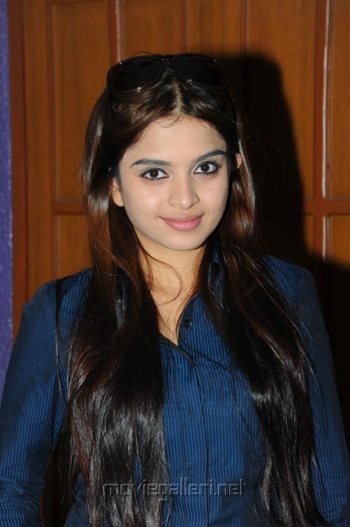 Kajal Agarwal Stills Saree Telugu Actress Ajilbab Portal Nude and Porn ...