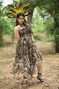 Nisha Kothari in Telugulo Naaku Nachani Padam Prema Movie Stills
