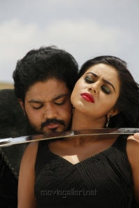 Sakthi Vasu, Poorna in Telugulo Naaku Nachani Padam Prema Movie Stills