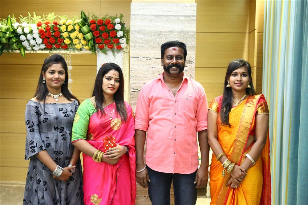 SP Prakasam, Monisha, Saloni, Nandhini @ Thaali Movie Pooja Stills