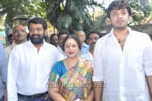 Vasanth, Jayachitra, Amaresh at Thaaru Maaru Movie Launch Photos