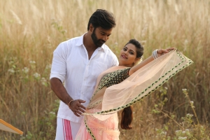 Abhishek Vinod, Manochitra in Thandagan Movie Stills HD
