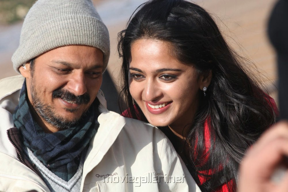 Nirav Shah, Anushka at Thandavam Shooting Spot Stills