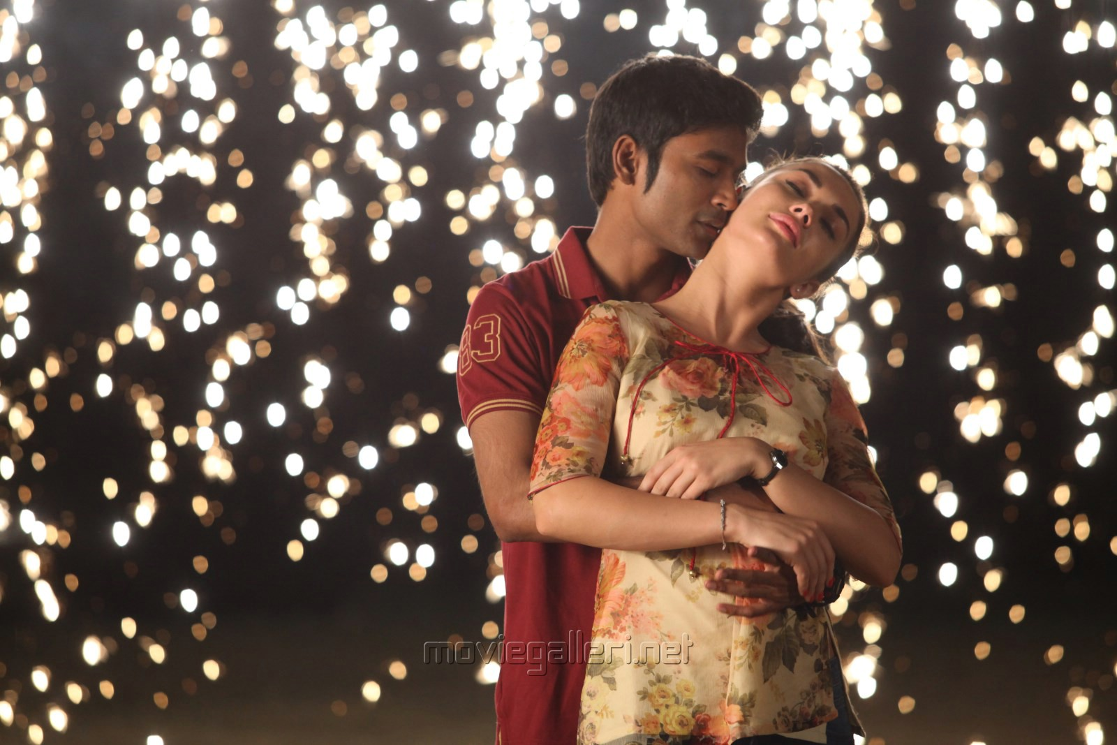 Dhanush, Amy Jackson in Thanga Magan Movie Latest Images