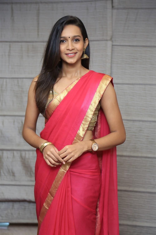 Actress Sanjana Singh @ The Luxury Affair Wedding Expo Launch Photos