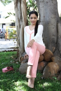Janani Iyer @ Thegidi Movie Press Meet Stills