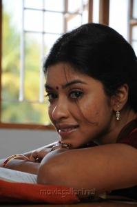 Therodum Veedhiyile Movie Actress Payal Ghosh Stills