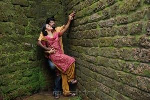 Pradeep, Payal Ghosh in Therodum Veedhiyile Tamil Movie Stills