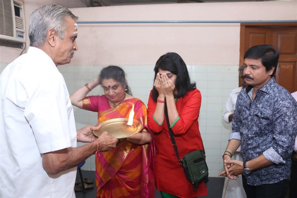 Chitralaya Gopu @ Thillalangadi Mohanambal Stage Show Premiere Stills