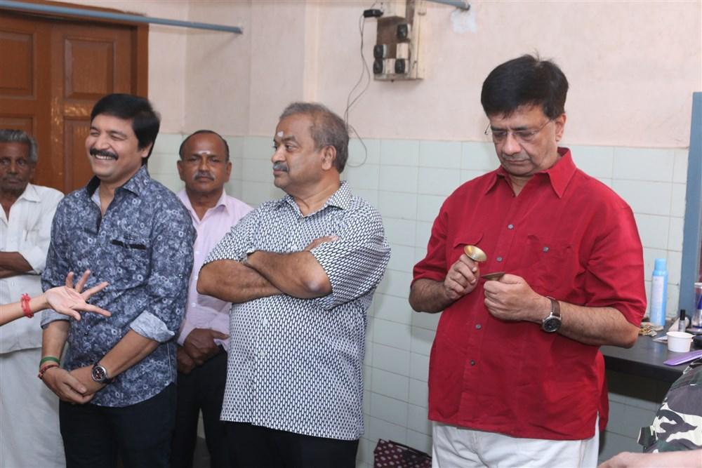 Sureshwar, YG Mahendra @ Thillalangadi Mohanambal Stage Show Premiere Stills