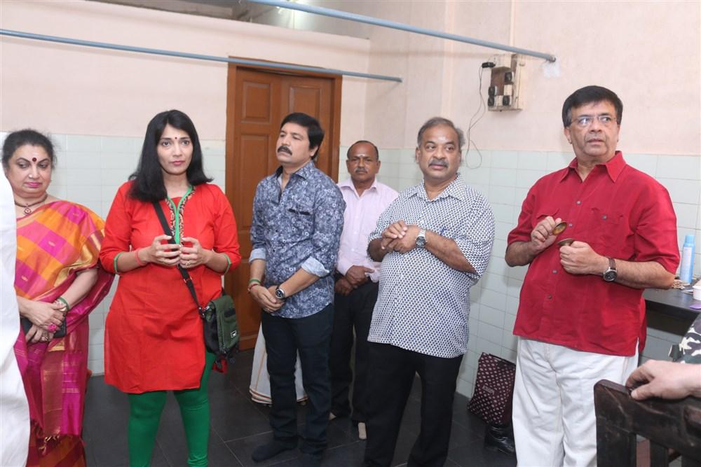 Sudha Mahendra, YG Mahendran @ Thillalangadi Mohanambal Stage Show Premiere Stills