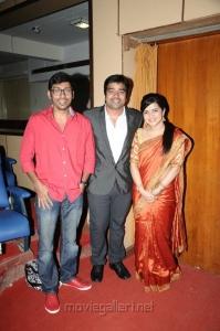 Shiva, Divyadharshini at Thillu Mullu 2 Movie Launch Stills