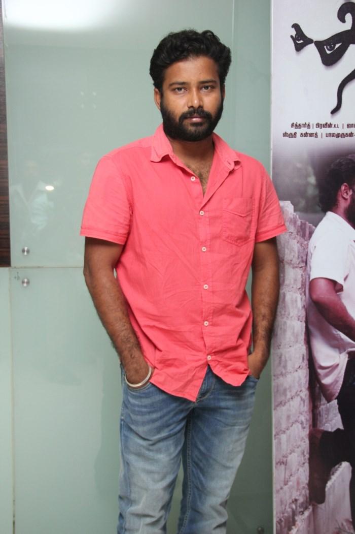 Actor Dinesh @ Thirudan Police Movie Audio Launch Photos