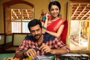 Ashwin Kakumanu, Janani Iyer in Thollaikatchi Tamil Movie Stills