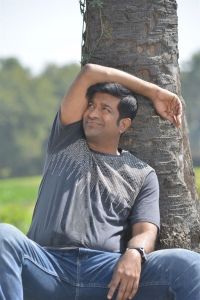 Actor Vennela Kishore in Tholu Bommalata Movie Stills