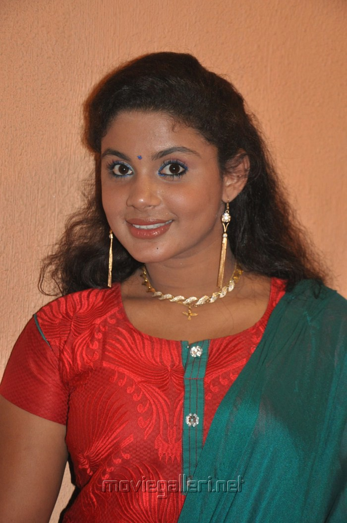 Tamil Actress Mulai Re Pin All About Cinema On Pinterest Pelautscom ...