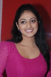 Actress Haripriya at Thulli Ezhunthathu Kadhal Team Interview Stills