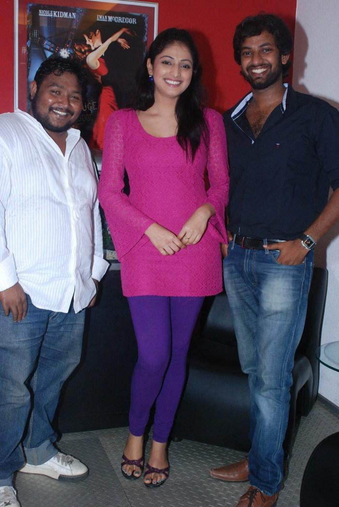 Karthik Sabesh, Haripriya, Trinetrudu at Thulli Ezhunthathu Kadhal Team Interview Stills