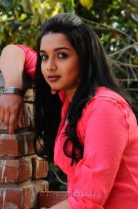 Thulli Vilayadu Actress Deepti Nambiar Stills