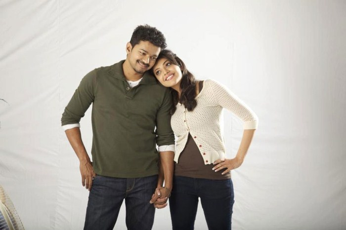 Vijay, Kajal Agarwal Photo Shoot in Thuppaki Movie