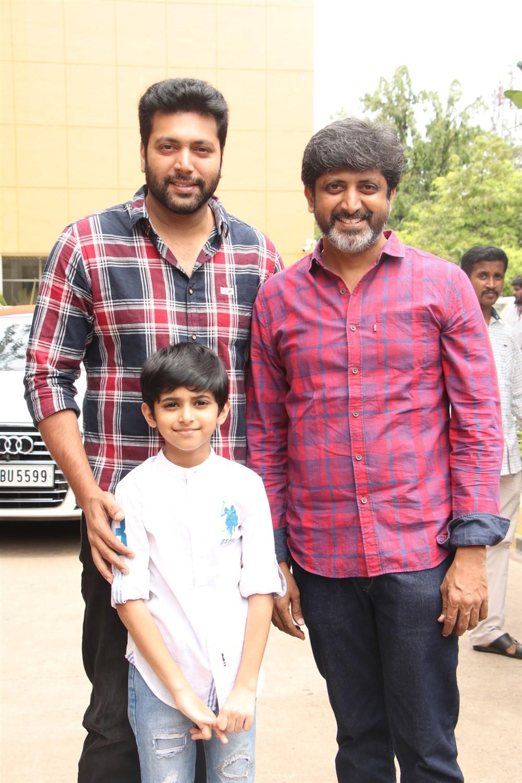 Jayam Ravi, Aarav Ravi, Mohan Raja @ Tik Tik Tik Movie Thanks Meet Photos