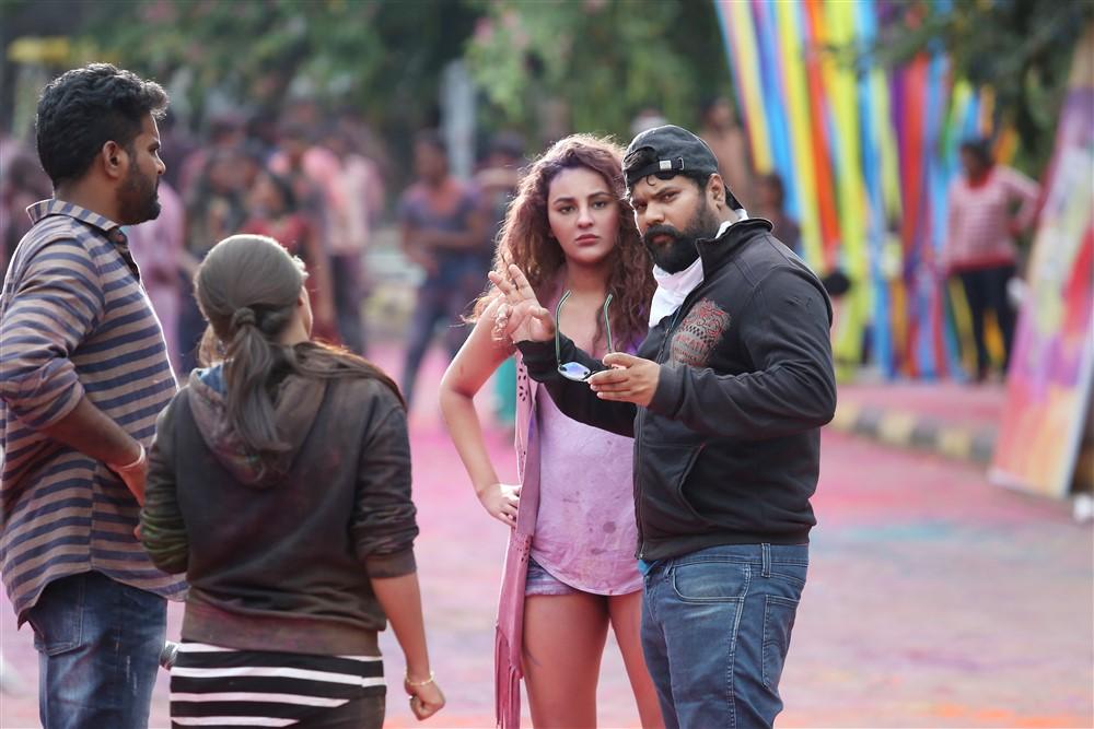 Seerat Kapoor, Vikram Sirikonda @ Touch Chesi Chudu Movie Working Stills