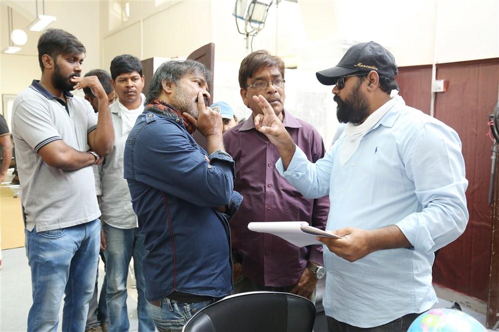 Chota K Naidu, Vikram Sirikonda @ Touch Chesi Chudu Movie Working Stills