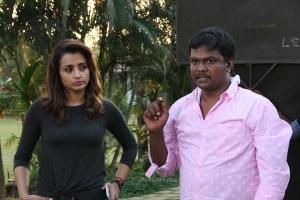 Trisha, Sundar Balu @ Garjanai Movie Working Stills
