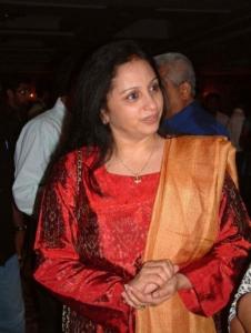 trisha_mother_uma_krishnan_photos_025