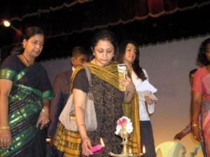 trisha_mother_uma_krishnan_photos_250