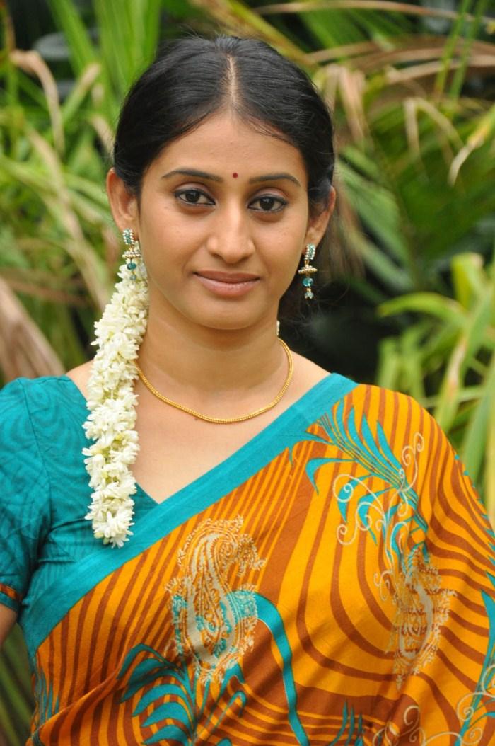 Meena Kumari Serial Actress Hot Picture 261477   Chi L...