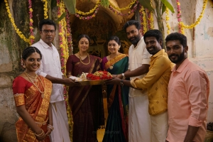 Nivedhithaa Sathish, Samuthirakani, Jyothika, Sija Rose, Sasikumar, Soori in Udanpirappe Movie Images HD