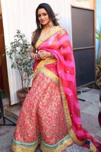 TV Anchor Udaya Bhanu Latest Saree Pics