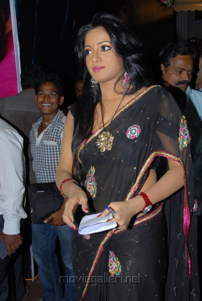 Picture Udaya Bhanu Hot Saree Stills New Movie Posters