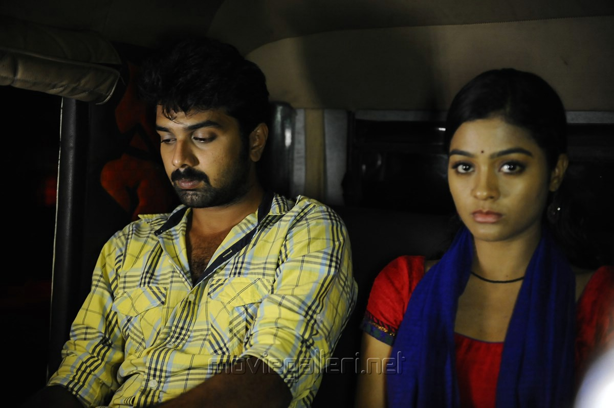 Vatsan, Gayathri in Ula Tamil Movie Stills