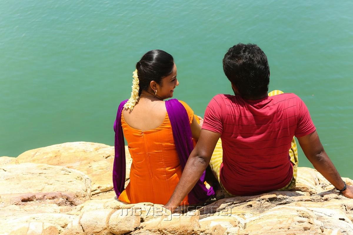 Nandita Swetha, Dinesh in Ulkuthu Movie Stills