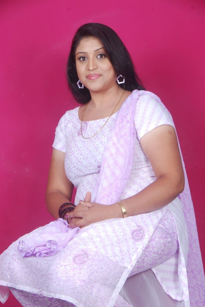 Picture 32115  Telugu Supporting Actress Uma Cute Photo -6279