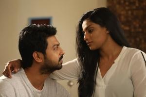 Srikanth, Chandrika Ravi in Un Kadhal Irundhal Movie Stills
