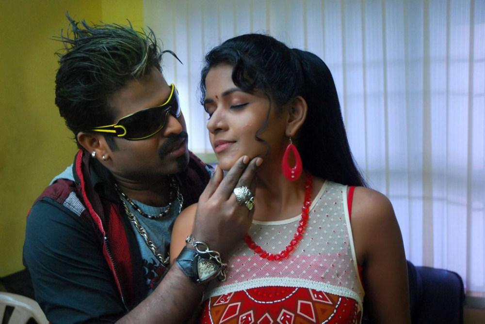 Enakku 20 Unakku 18 Mp3 Songs Download Tamil High Quality 320kbps 2004