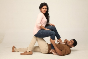 Maaya, Aari in Unnodu Ka Movie Stills