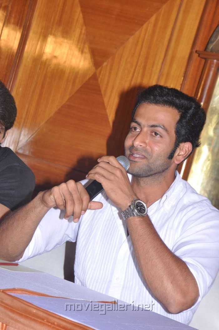 Actor Prithviraj at Urumi Press Meet Stills