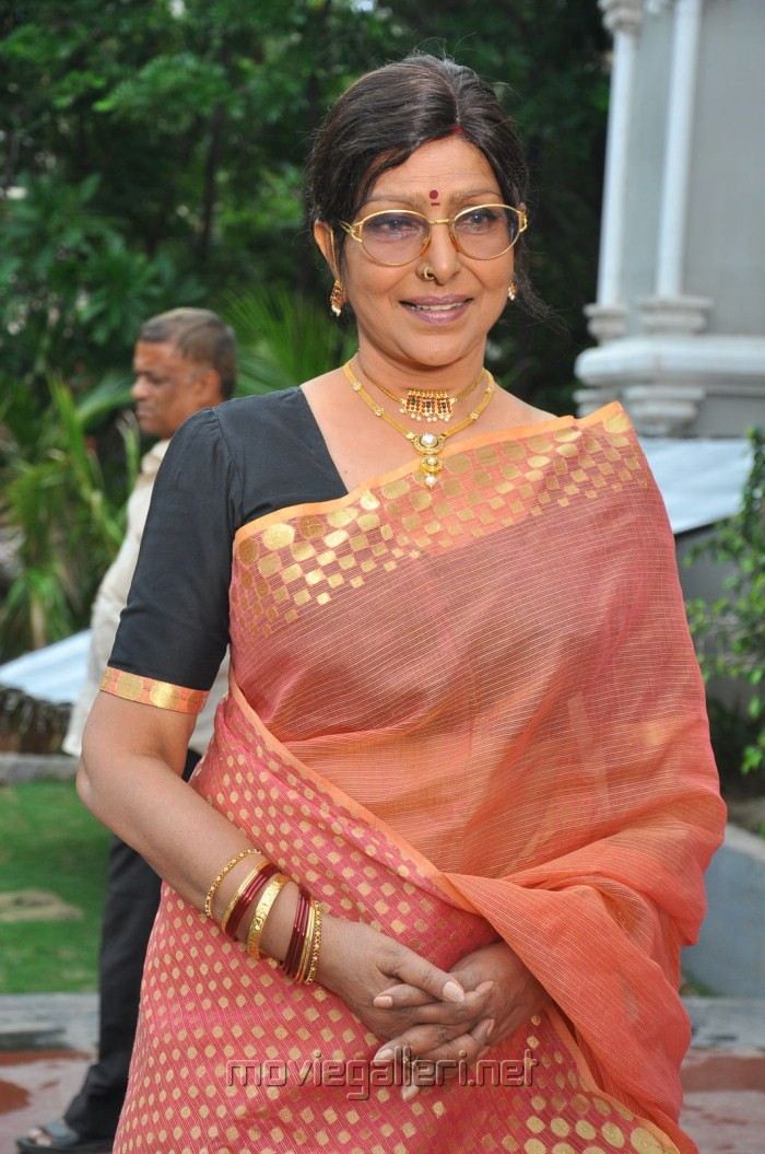 Sharada - Profile, Biography and Life History | Veethi