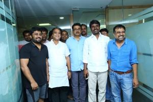 KE Gnanavel Raja, Sarathkumar, Anbu, Lingusamy @ Uthama Villain Release Press Meet Stills